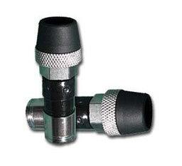 Coaxkabel met waterdichte compressie connectoren rubber huls